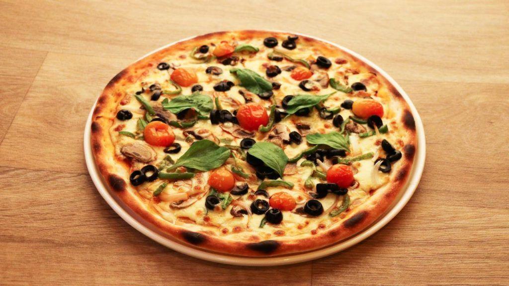Vegan pizza at Papa Murphy's